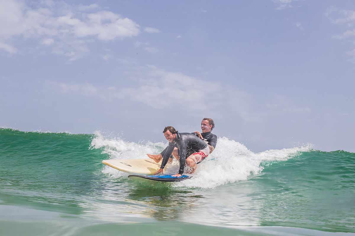 reglas del surf wavy