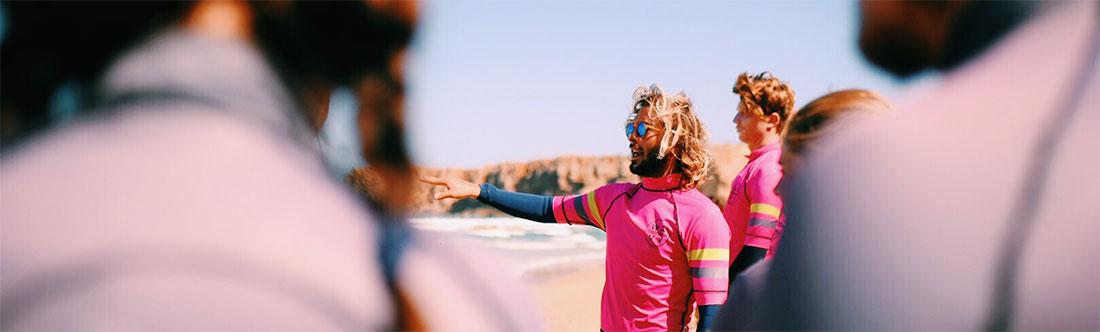 Todo lo que necesitas para aprender a surfear - Wavy Surf Camp