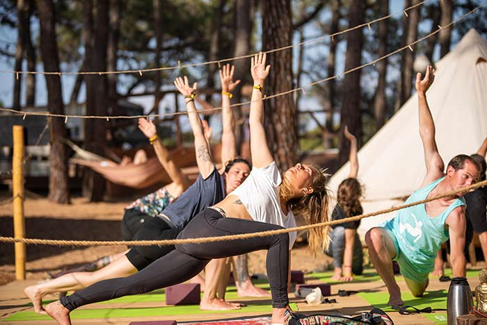 yoga sagres wavy surf camp